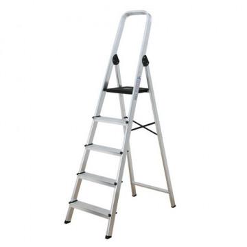 Escalera de aluminio con 7 peldaños